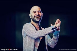 Musica, Giuliano Sangiorgi a sopresa su facebook: «Sarò papà»